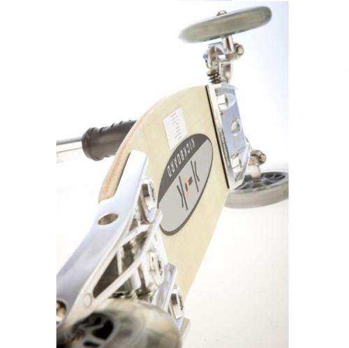 Skládací Kickboard Micro Original Switzerland, tříkolová koloběžka zatačí náklonem řídící tyče