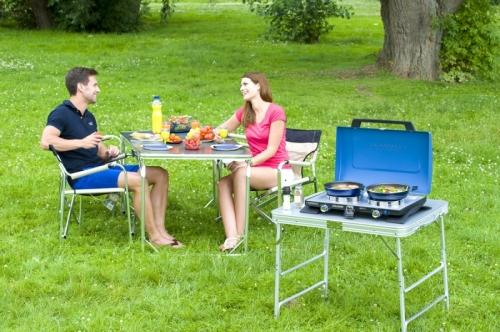 Dvouplotýnkový campingový vařič s víkem na propan butan a piezo zapalováním