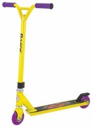 Freestyle koloběžka Razor Beast yellow